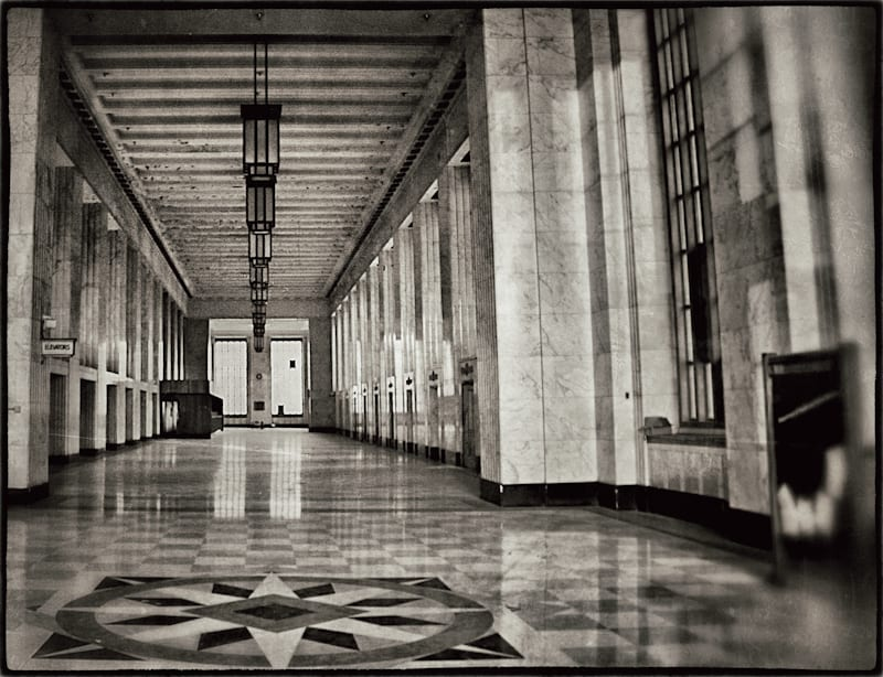 a rare glimpse of the downtown chicago 39 s vacant old central post office urban remains chicago