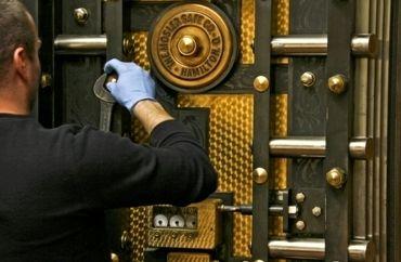 c  1920's interior bank vault door round bronze mosler plaque or medallion  with incised lettering