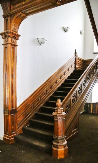 Antique American Victorian