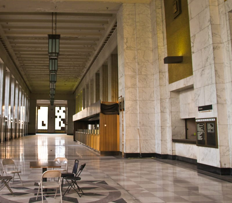 A Rare Glimpse Of The Downtown Chicago's Vacant Old